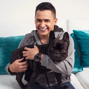 Tinto: el perrito que se robó el corazón de Jorge Celedón