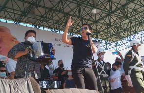 Amigos y personalidades del folclor vallenato rinden homenaje a Jorge Oñate