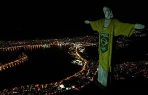 Cristo Redentor de Brasil se ilumina a 100 días los Juegos Olímpicos de Tokio