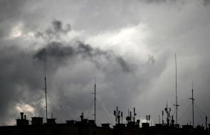 Impresionantes nubes de tormentas acumuladas sobre Przemysl, Polonia