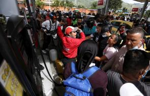 Escasez de gasolina en Cali durante la crisis de protestas y enfrentamientos