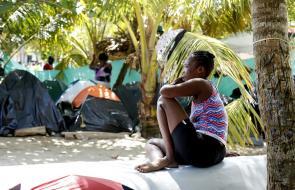 En imágenes: crónica de la crisis migratoria en Necoclí