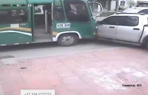 Así colisionó bus tras ataque a bala de su chofer en Soledad