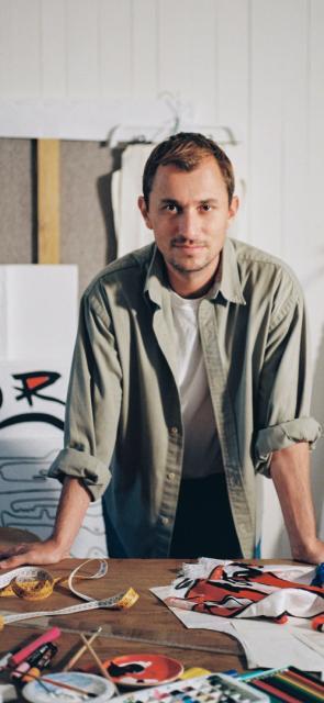 Esteban Cortázar, el niño prodigio de la moda