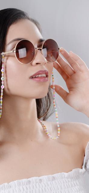 Cuelga gafas, un accesorio que se reinventó en la pandemia