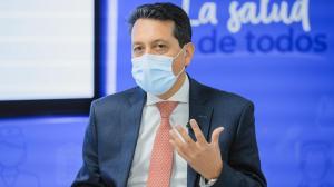 Carlos Álvarez, médico infectólogo.