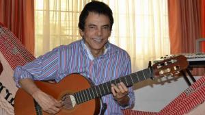 Hospitalizan por síntomas de Covid-19 al compositor Gustavo Gutiérrez
