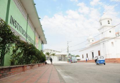Carrera 20 con calle 15 de Soledad, donde ocurrió el intercambio de disparos entre la Policía y los cuatro delincuentes; y Dilia González fue herida de gravedad.