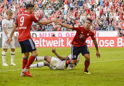 James celebra un gol anotado en la Bundesliga.