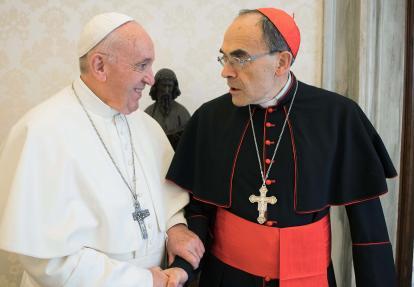 Papa Francisco junto al cardenal Barbarin.