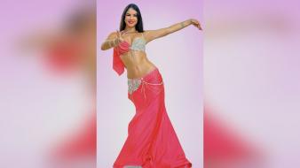 Danzas árabes: una práctica que explora la feminidad y fortalece el cuerpo