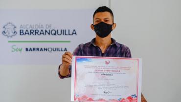 Luis Fernando Guarín se ganó una beca para estudiar en China.
