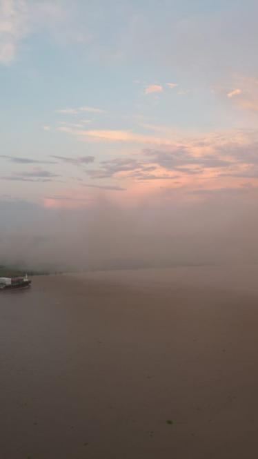 Humo y cenizas cubren gran parte del norte de Barranquilla