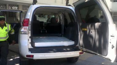 El vehículo llevaba 50 kilos de clorhidrato de cocaína camuflados en una caleta.