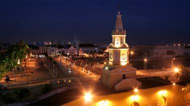 La Torre del reloj: La Gran entrada de la puerta de Colombia.
