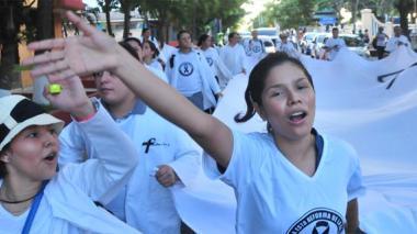 """Médicos piden que se """"hunda"""" reforma a la salud"""