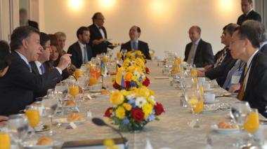 El mandatario colombiano se reunió –este miércoles en Washington– con el presidente del BID, Luis Alberto Moreno, con el director gerente y jefe de operaciones del Banco Mundial, Sri Mulyani Indrawati, y con el primer subdirector gerente del FMI, David Lipton.