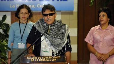 """Farc critican el """"poder omnímodo""""  del procurador"""