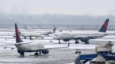 Tormenta obliga a cancelar vuelos en EEUU