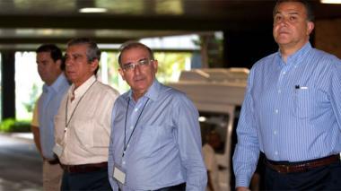 Negociadores del Gobierno parten a Cuba para iniciar ciclo con las Farc