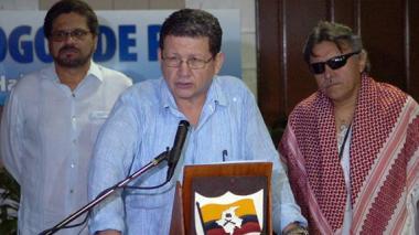 """Atentado contra candidata Avella """"balea"""" credibilidad de proceso de paz: Farc"""