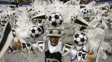 El Mundial de Fútbol ayer fue dueño y señor del primer desfile del Carnaval de Sao Paulo