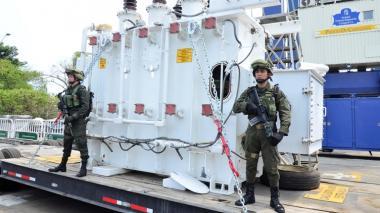 En la incautación más reciente, casi tres toneladas de cocaína iban camufladas en un transformador gigante.