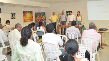 Encuentro del gremio de hoteleros de La Guajira con un funcionario de Cotelco, en la capital de La Guajira.