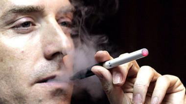 Estados Unidos regulará los cigarrillos electrónicos
