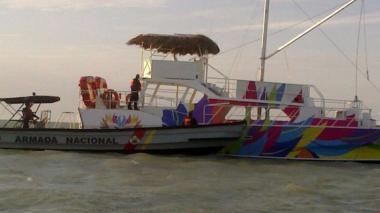 Hallan en aguas del mar Caribe un catamarán extraviado en Aruba