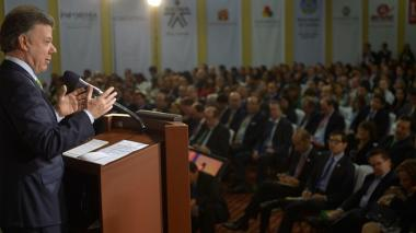 Santos descarta cese el fuego bilateral