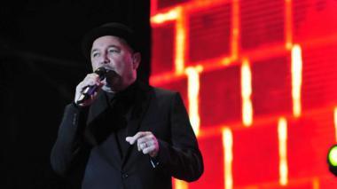 Rubén Blades con 'Plástico' encendió los ánimos y puso a bailar al público a las 11 de la noche, en el estadio Romelio Martínez. El panameño usó en su show pantallas gigantes que mostraban imágenes de lo cantado.