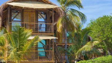 Los bungalows son uno de los atractivos de la Isla del Encanto.