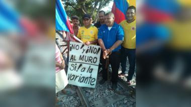 Protesta en la línea férrea en el municipio de Bosconia, Cesar.