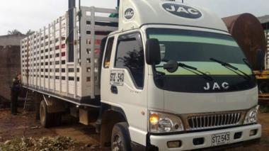 En este camión fue hallado el cargamento de coca.