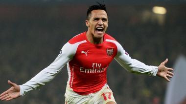 Doblete de Alexis Sánchez acerca al Arsenal a la segunda plaza