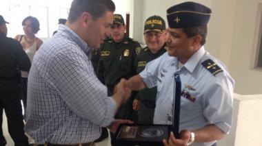 Fuerza Aérea en Malambo exalta labor de Juan Carlos Pinzón como Mindefensa