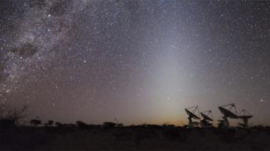 Detectan una señal de una galaxia emitida hace 5.000 millones de años