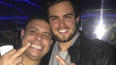 """El polémico video en el que Ronaldo Nazario bromea con su """"novio"""""""