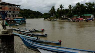 Canoa bomba deja 100 viviendas afectadas en Timbiquí, Cauca