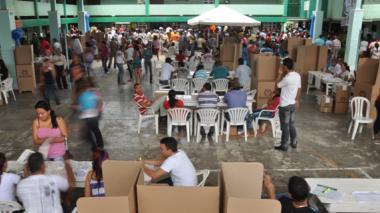 Mesas de votación en Barranquilla. La Presidencia denuncia que contratos con fundaciones sociales en varias regiones son para financiar campañas políticas.
