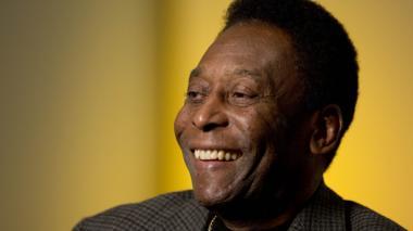 Pelé recibe el alta hospitalaria tras someterse a una cirugía en la columna