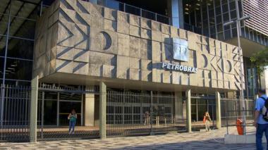 Trabajadores de Petrobras en Sao Paulo declaran huelga de 24 horas