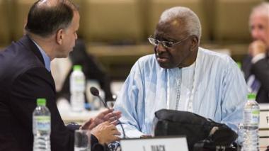 Presidente de la IAAF asegura que no tapa el dopaje de sus atletas