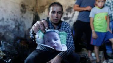 Palestinos despiden al padre del bebé que murió quemado vivo por extremistas