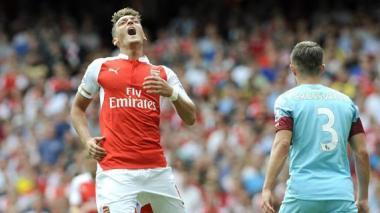 Sin David Ospina en el arco, el Arsenal cayó 2-0 ante West Ham