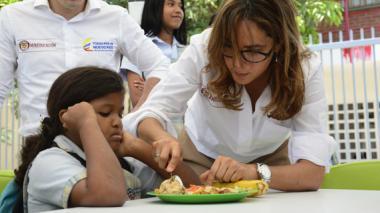 Mineducación cancela los contratos de comida escolar