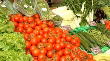 Aumentos en precios de alimentos jalonaron la inflación
