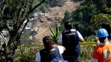 Suspenden búsqueda de desaparecidos en alud que dejó 280 muertos en Guatemala