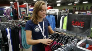 Una tienda deportiva de EEUU da empleo a aspirantes olímpicos